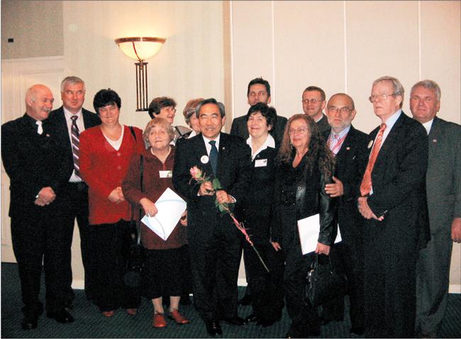 Wizyta dr. Kenneth'a Moritsugu, Honorowego Ambasadora Dawstwa i Transplantacji w Polsce. Spotkanie z przedstawicielami stowarzyszeń pacjentów po przeszczepieniu narządu, 7 października 2008 r.