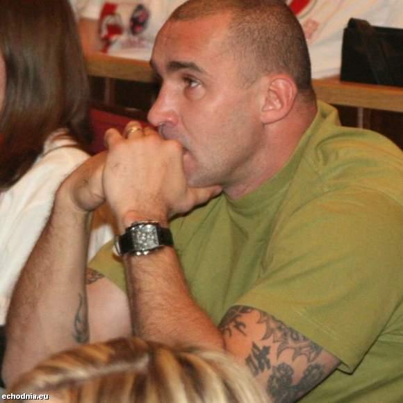 O idei darowania organów do transplantacji mówił w Kielcach również Przemysław Saleta, znany bokser, który oddał jedną nerkę swojej córce Nicoli. (fot. A. Piekarski)