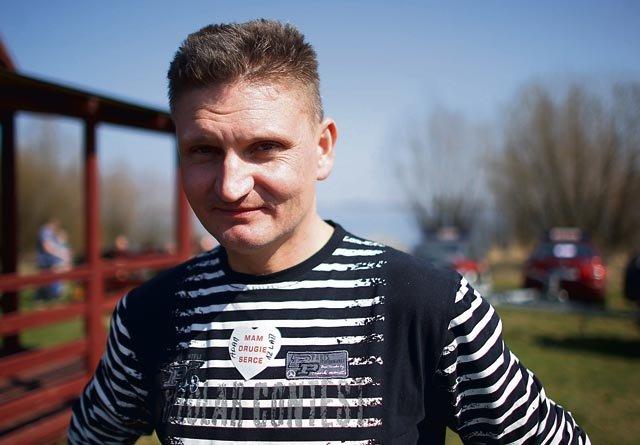 Adam Strzebiecki od 12 lat cieszy się życiem z nowym, zdrowym sercem. Fot. Radosław Jóźwiak