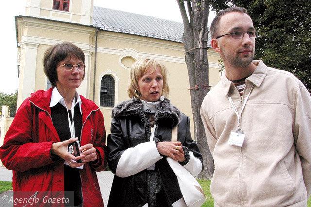 Spotkanie w Rokitnie. Od lewej: Krystyna Małysz miała operację w Niemczech, Małgorzata Koronczewska we Włoszech, Krzysztof Chmielewski w Warszawie. Fot. Dariusz Barański / AG