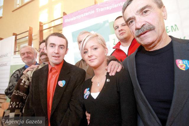 Karolina Suwaj zaprosiła do szkoły pacjentów, którym przeszczep uratował życie. Fot. Dawid Chalimoniuk